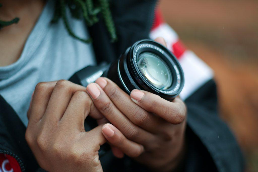 learning about best dslr cameras for moms & beginner photographers